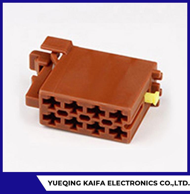 Conector eléctrico de 8 pines