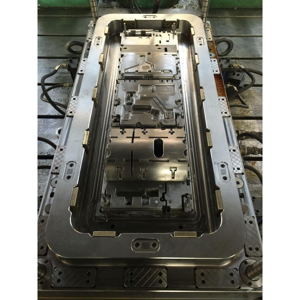 Motlle per caixó mesurador elèctric