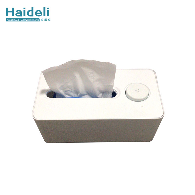 Tissue box with sterilizing function
