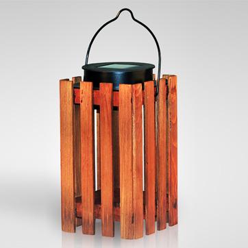 lanterna de madeira solar