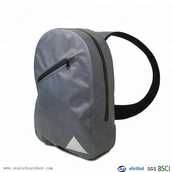 Водоустойчив прашка чанта