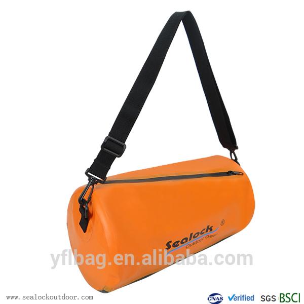 Водоустойчив ден мъкна чанта
