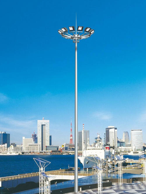 High pole lamp manufacturers talk about the importance of solar high pole lamps