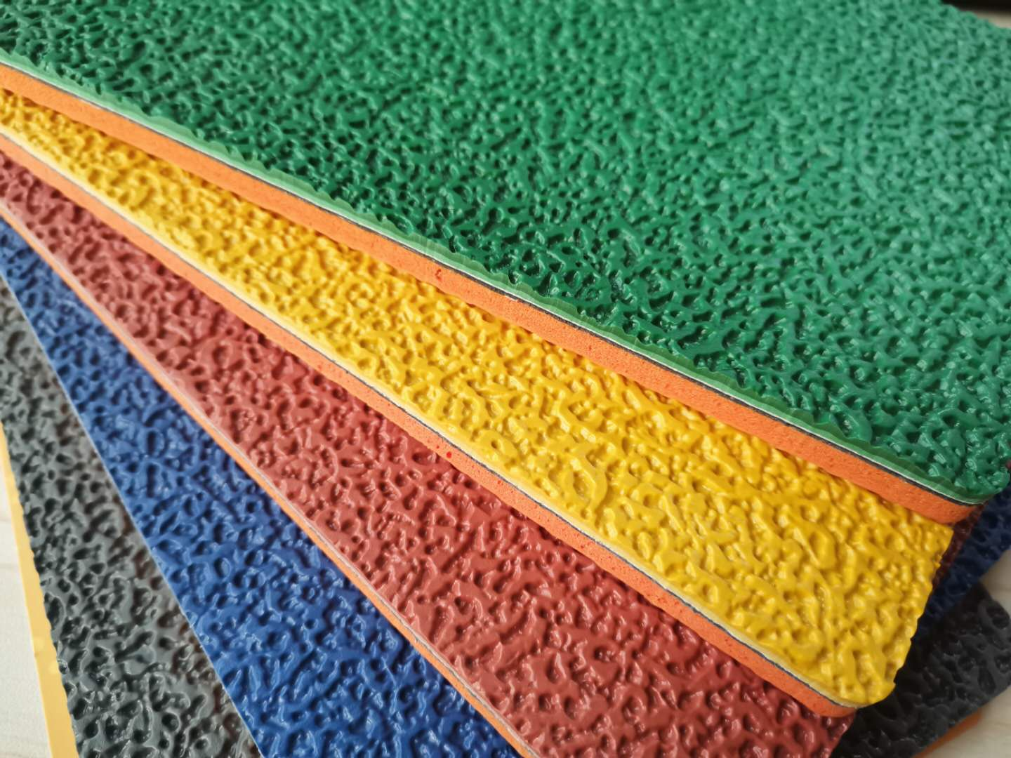 5.0mm Thickness Multi sports Outdoor Playground Antiskidding Outdoor Vinyl Flooring Mat