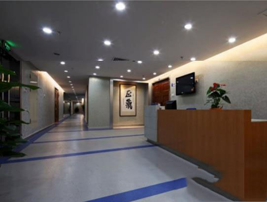 vinyl commercial flooring for heavy traffic areas