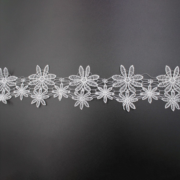 White Polyester Embroidery Border Lace Trim Dyeable