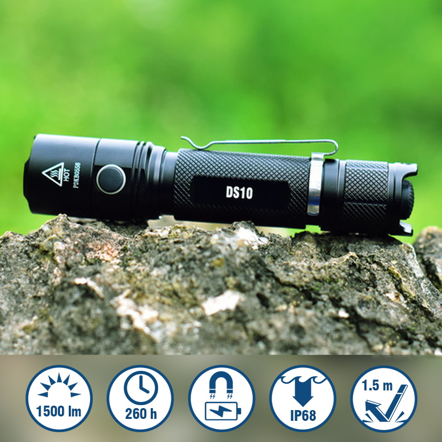 Magnetic Charging Outdoor Flashlight