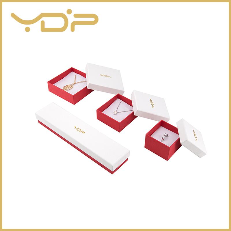 Папирна квадратна кутија за накит