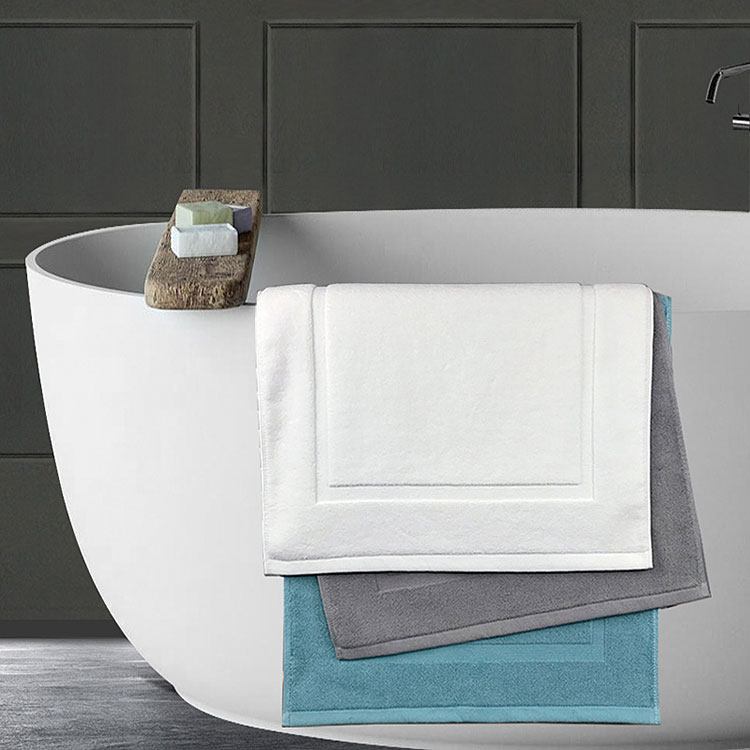 Daily cleaning and use of towels