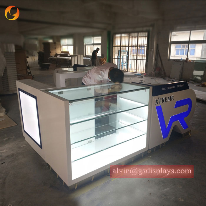 What are the commonly used materials for VR shop display stand construction?
