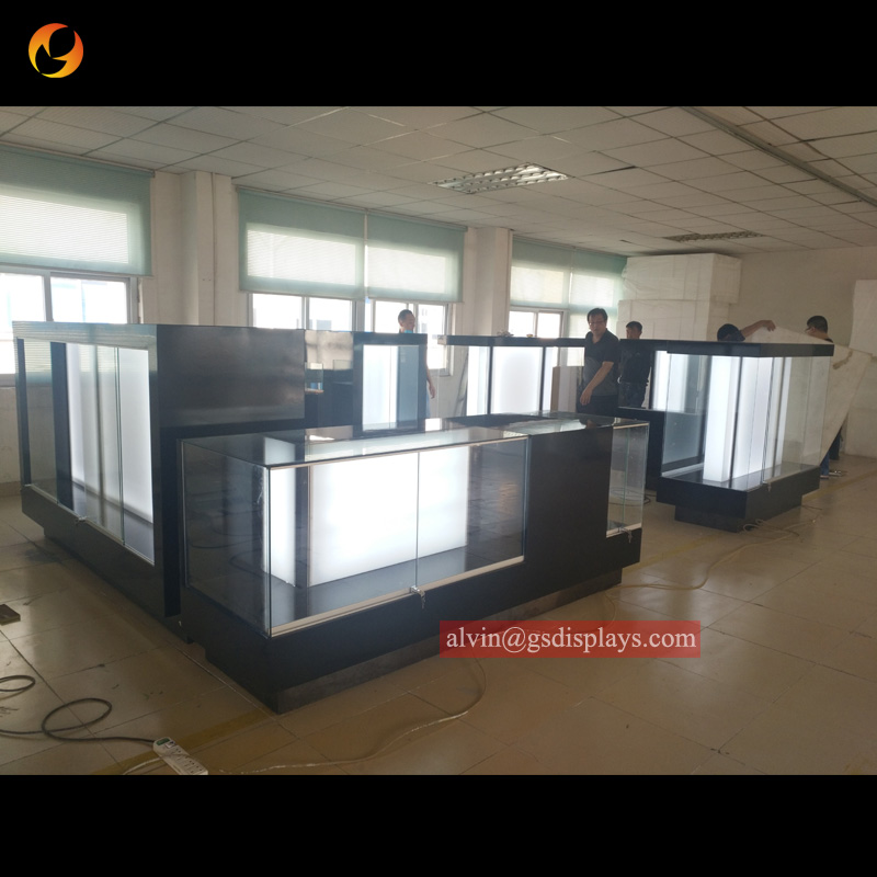 Fast Delivery Phone Cases Kiosk Displays