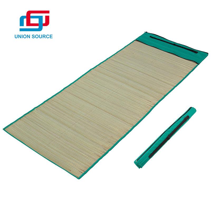 Customized Portable Lightweight Large Picnic Folding Beach Mat
