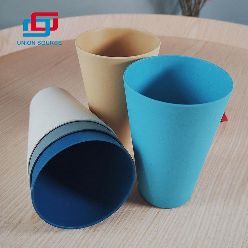 Taza de café ecológica con diferentes colores