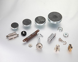 The use of different kinds of magnets.
