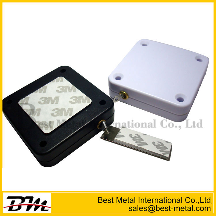 Retractable Electrical Pull Box For Retail Display
