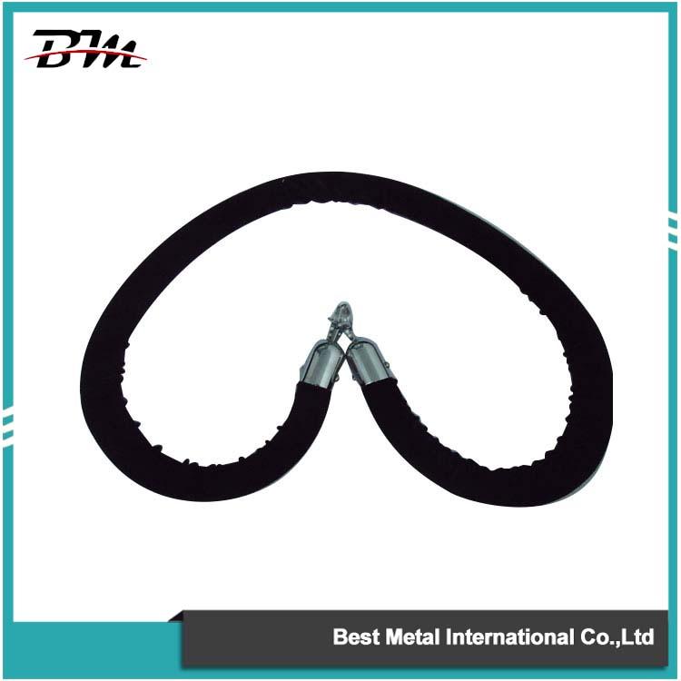 Чорні оксамитові мотузки