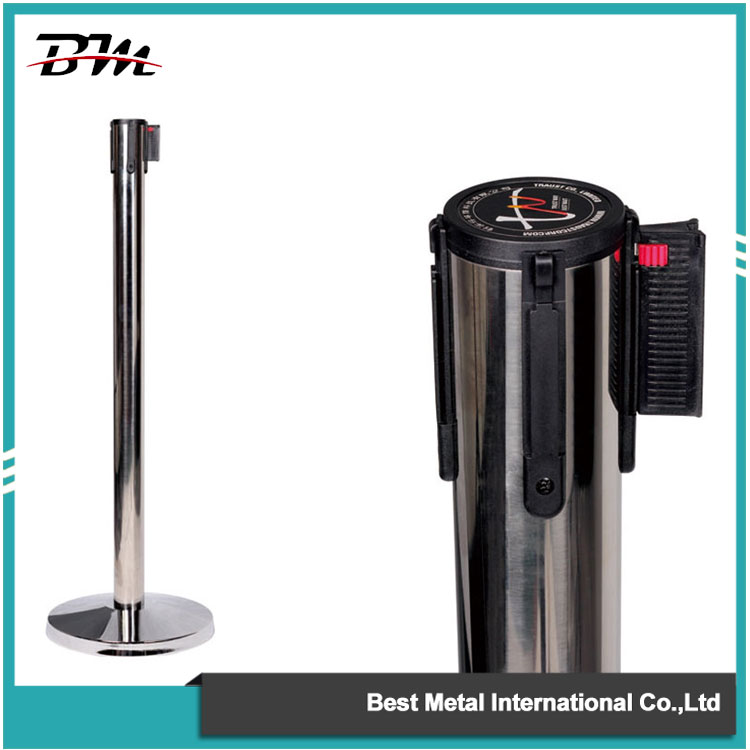 Silver Queue Stanchion