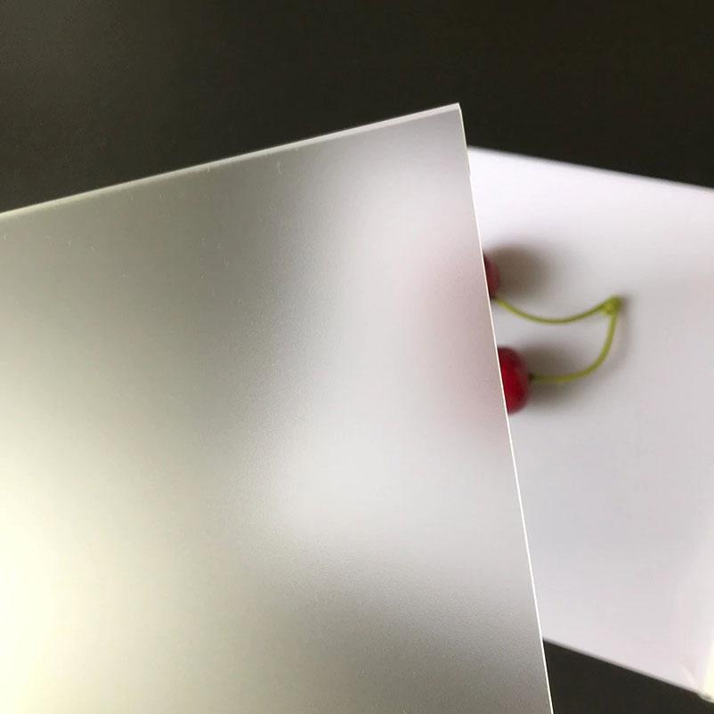 Lembaran Akrilik Cor Transparan Buram