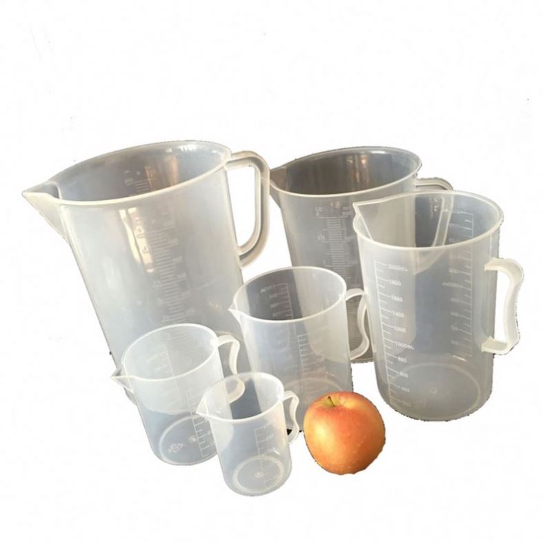 Plastic Measuring Beakers With Handle