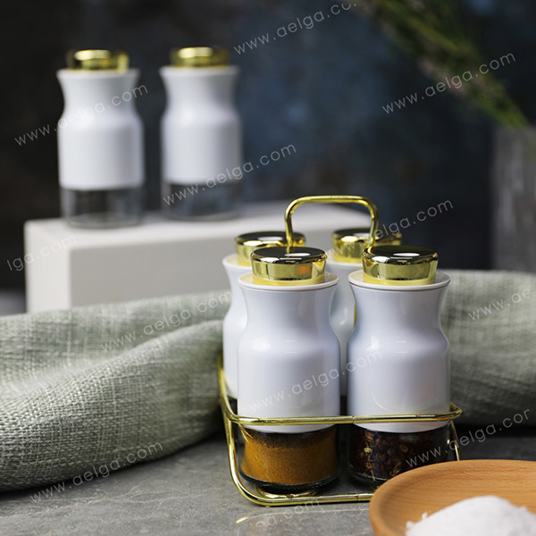 Round Glass Spice Bottle With Jacket Coating Colar