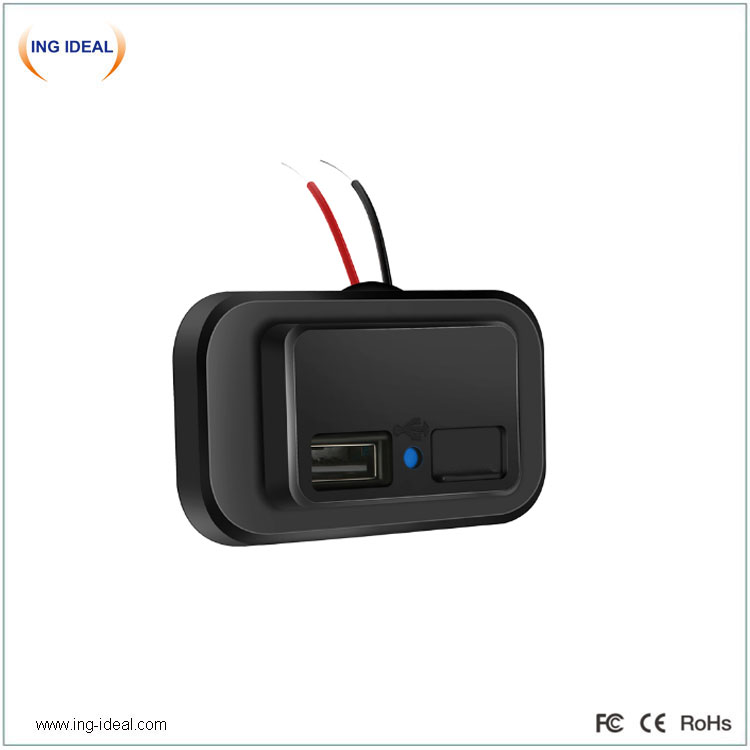 Flat Type 3.1A Auto Usb Charger With Automatic Cover