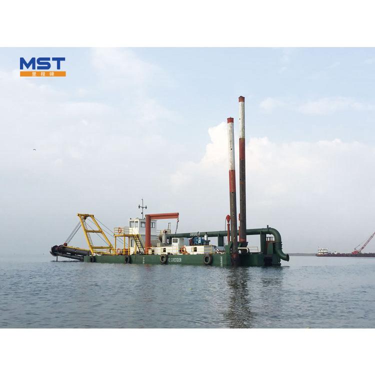 2000m Distance 22inch Gold Mining Dredging Boat Sand Dredging Machine