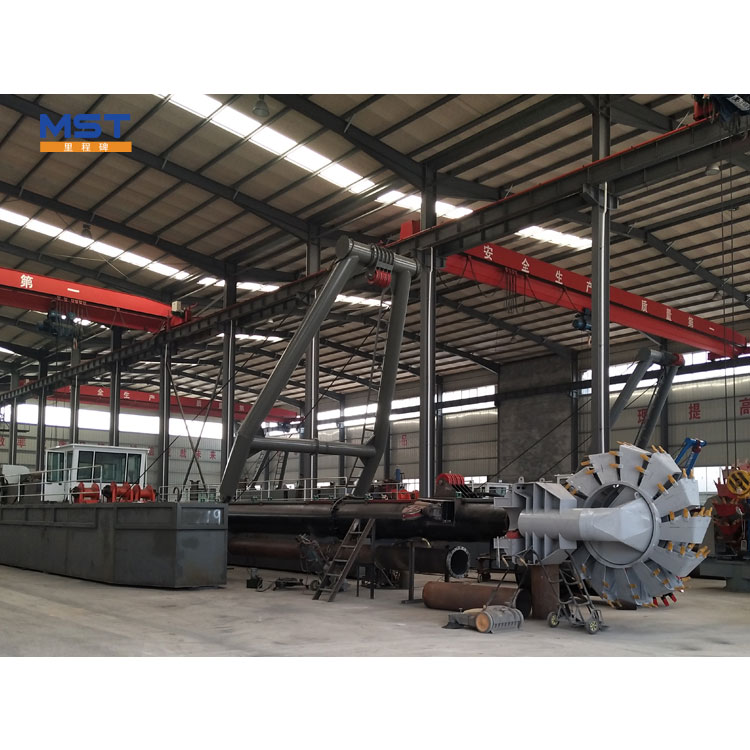Gold Mining Trailing Suction Bucket Chain Dredger For Sale
