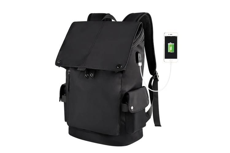 How to clean and maintain laptop bags on shoulders?