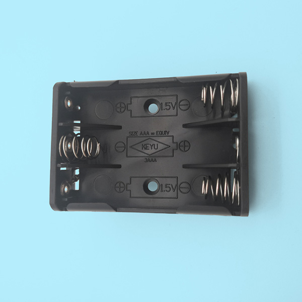 3 AAA Battery Holder with PCB Mount