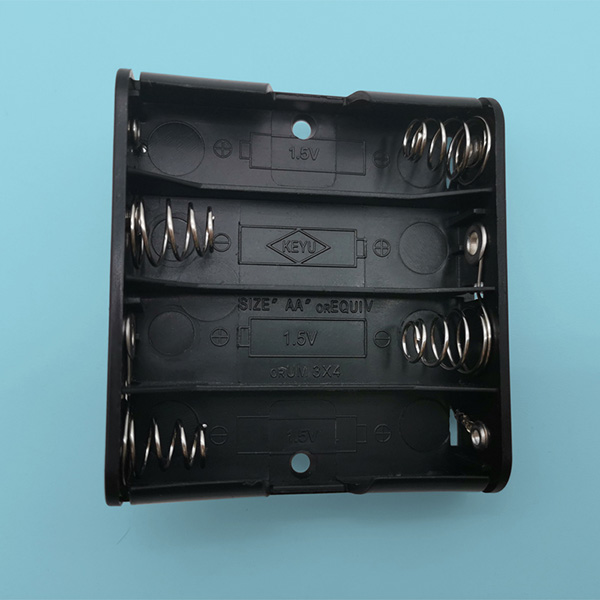 4 AA Battery Holder with PCB Mount