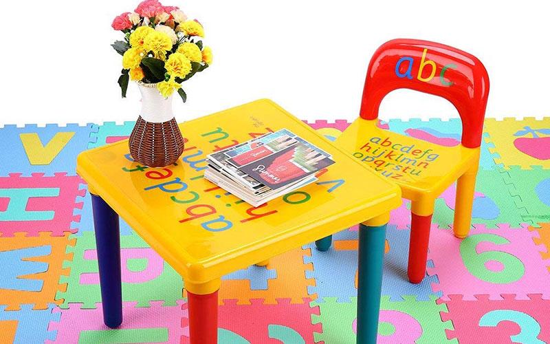 Špatná dětská židle je ve skutečnosti hlavní příčinou hrbení dítěte