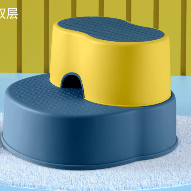 Household plastic combined two stepping stools