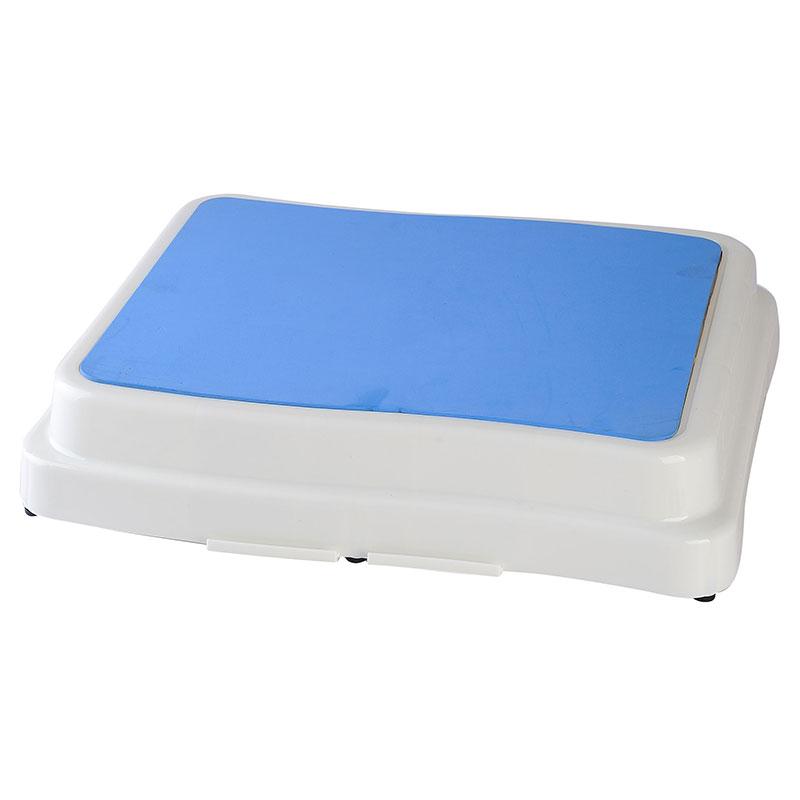 Prenosni zložljivi stopničasti protizdrsni polstopenjski varnostni pripomoček za pohodne blazine