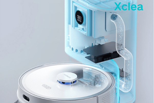 Mopping-and-vacuuming-robot with water tank