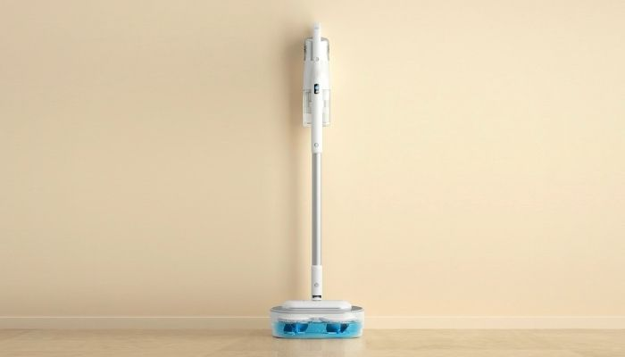 Floor cleaner that vacuums and mops