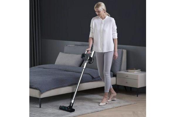 lightweight vacuum cleaner for hardwood floors