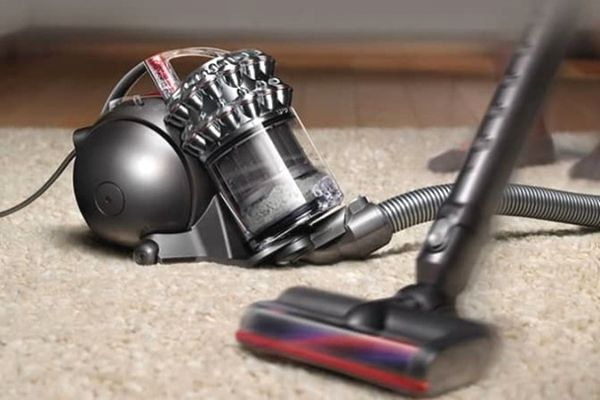 the advantages and disadvantages of Dyson