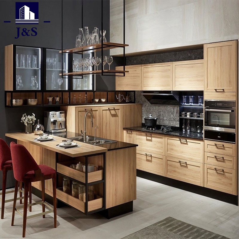 Country Shaker Style Kitchen Cabinet